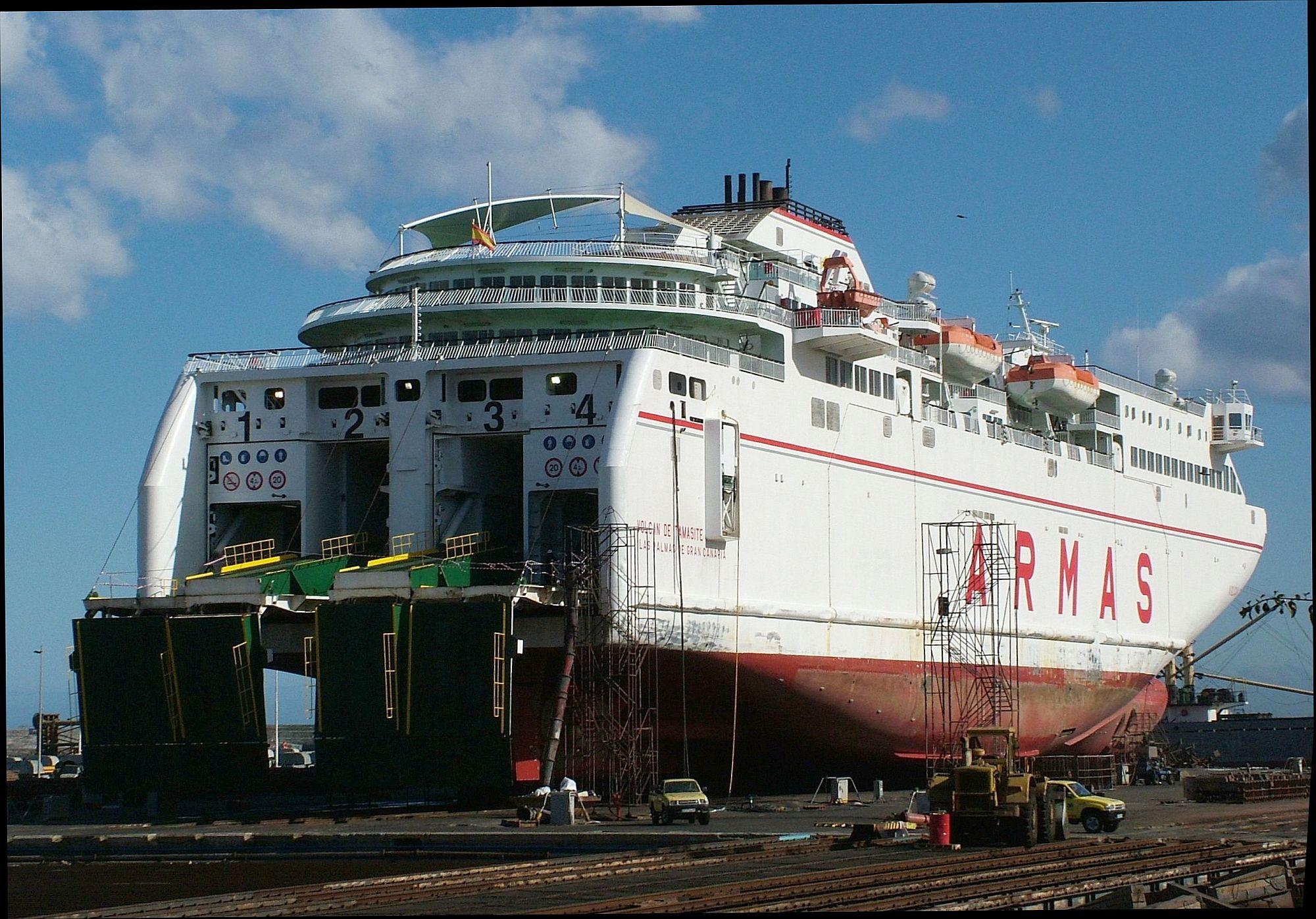 Navi e armatori approdi di passione for Horario oficina naviera armas las palmas