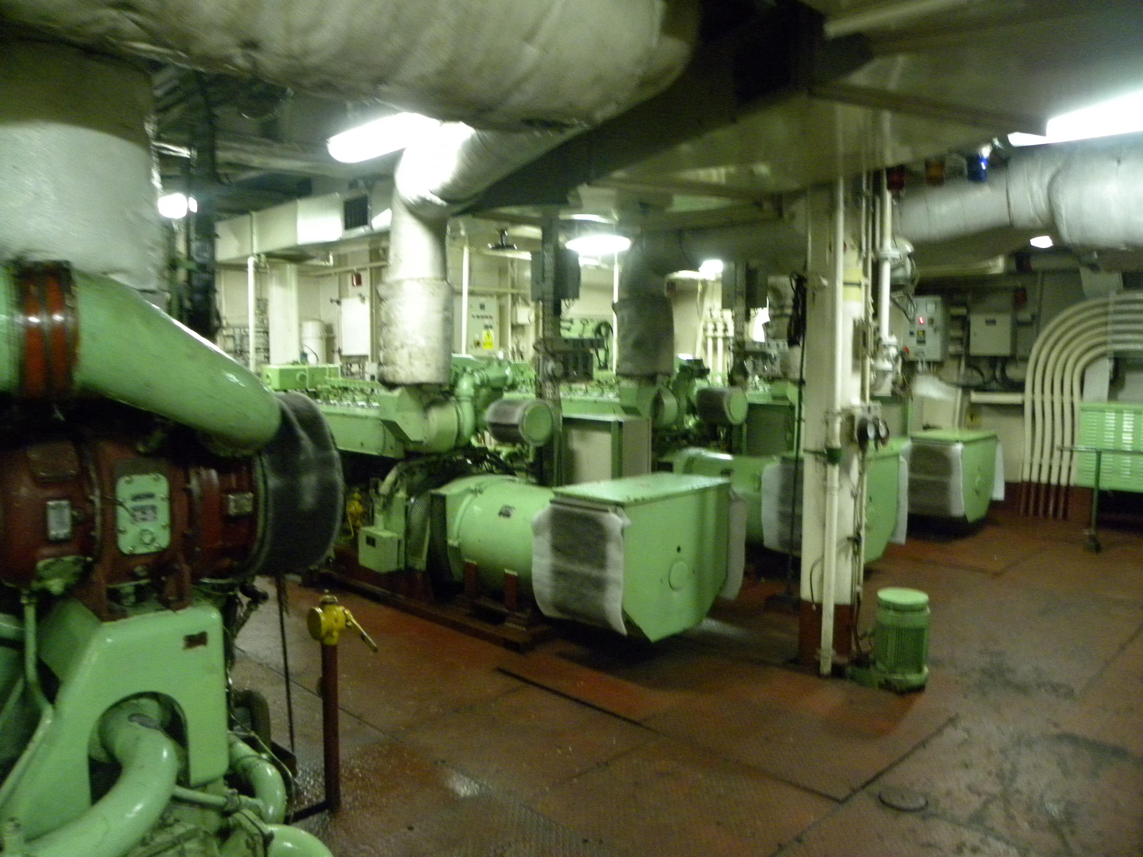 Navi e armatori approdi di passione for Amaretti arredamenti villa san giovanni