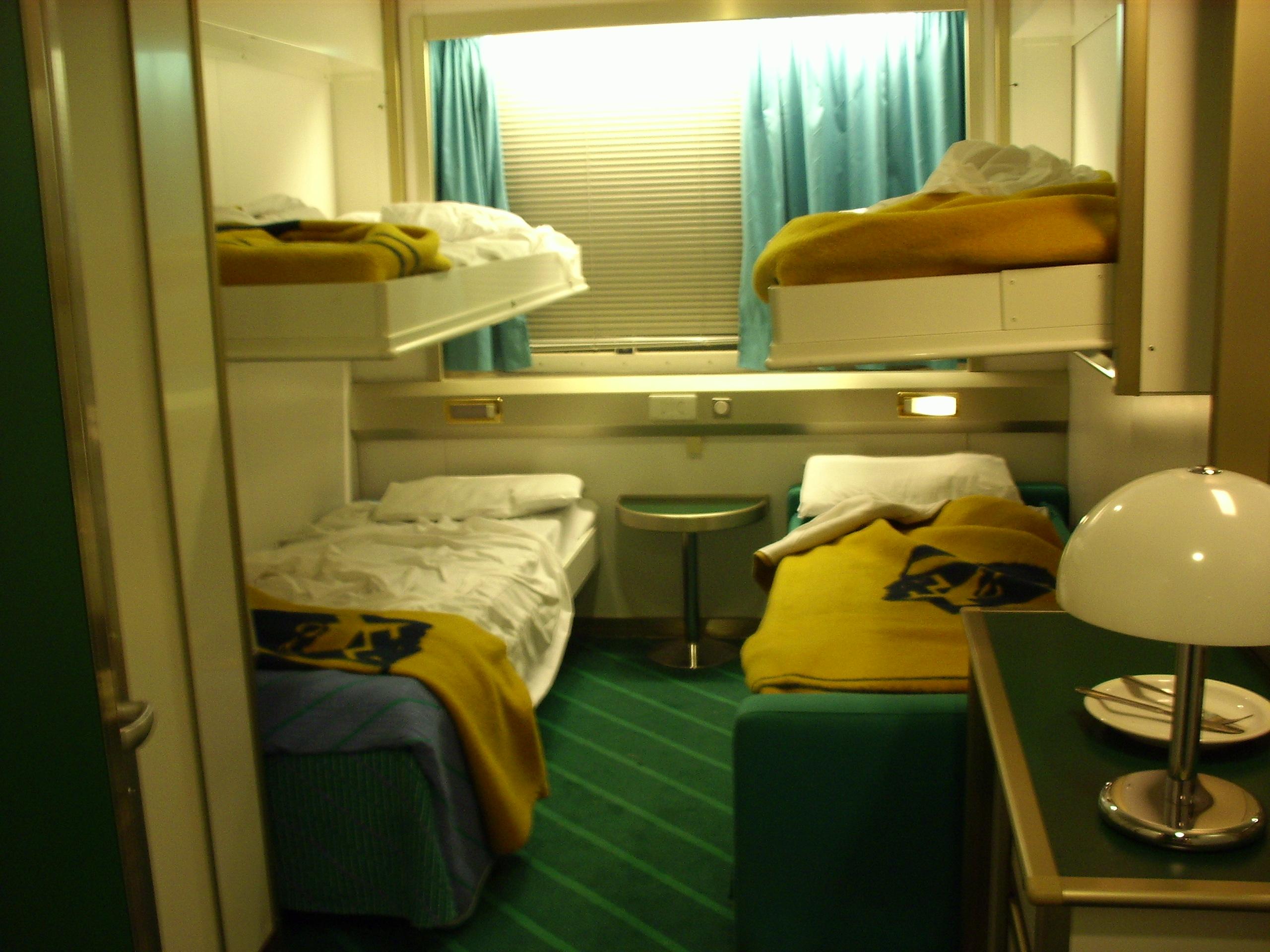 navi e armatori approdi di passione. Black Bedroom Furniture Sets. Home Design Ideas