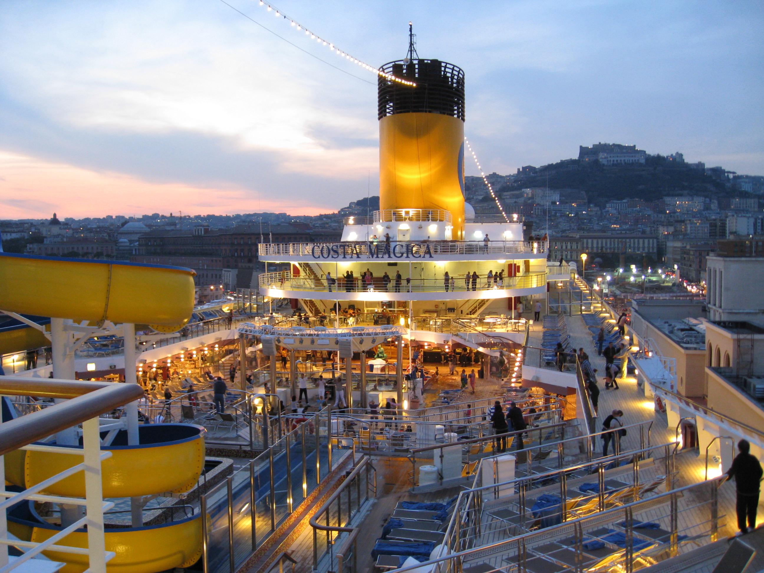 Navi e armatori approdi di passione for Costa magica immagini
