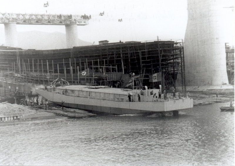 Launch MZ 1942